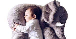 Read more about the article DearJoy Baby Elephant Pillow Grey